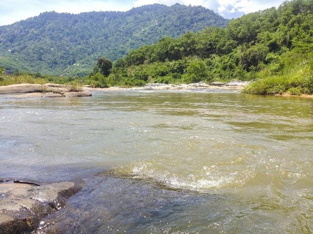 Phượt Nha Trang - Khung cảnh Suối Đá Bàn